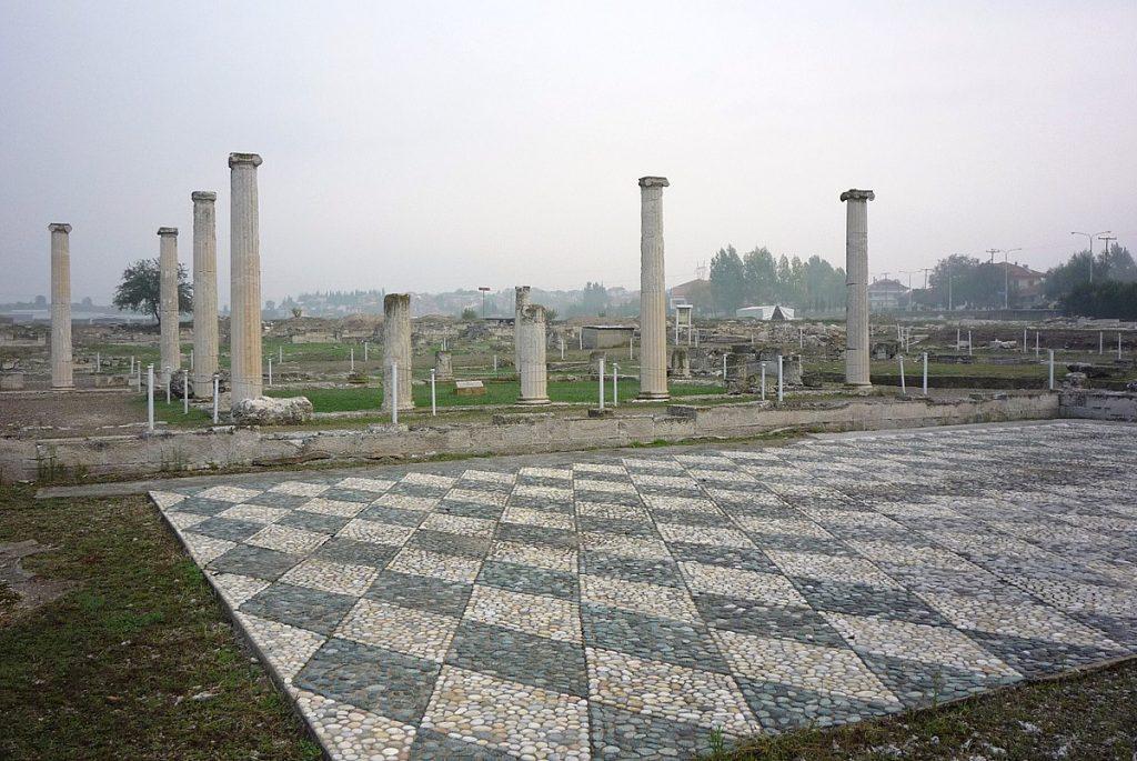 Pella - panoramio